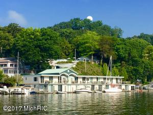 Property for sale at 615 Park Street Unit 5, Saugatuck,  MI 49453