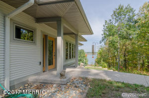 Property for sale at 11600 Wabasis Lake Dr, Greenville,  MI 48838