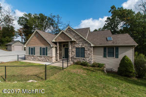 Property for sale at 1721 S 44th Street, Galesburg,  MI 49053