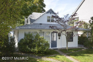 Property for sale at 9138 E Long Lake Drive, Scotts,  MI 49088