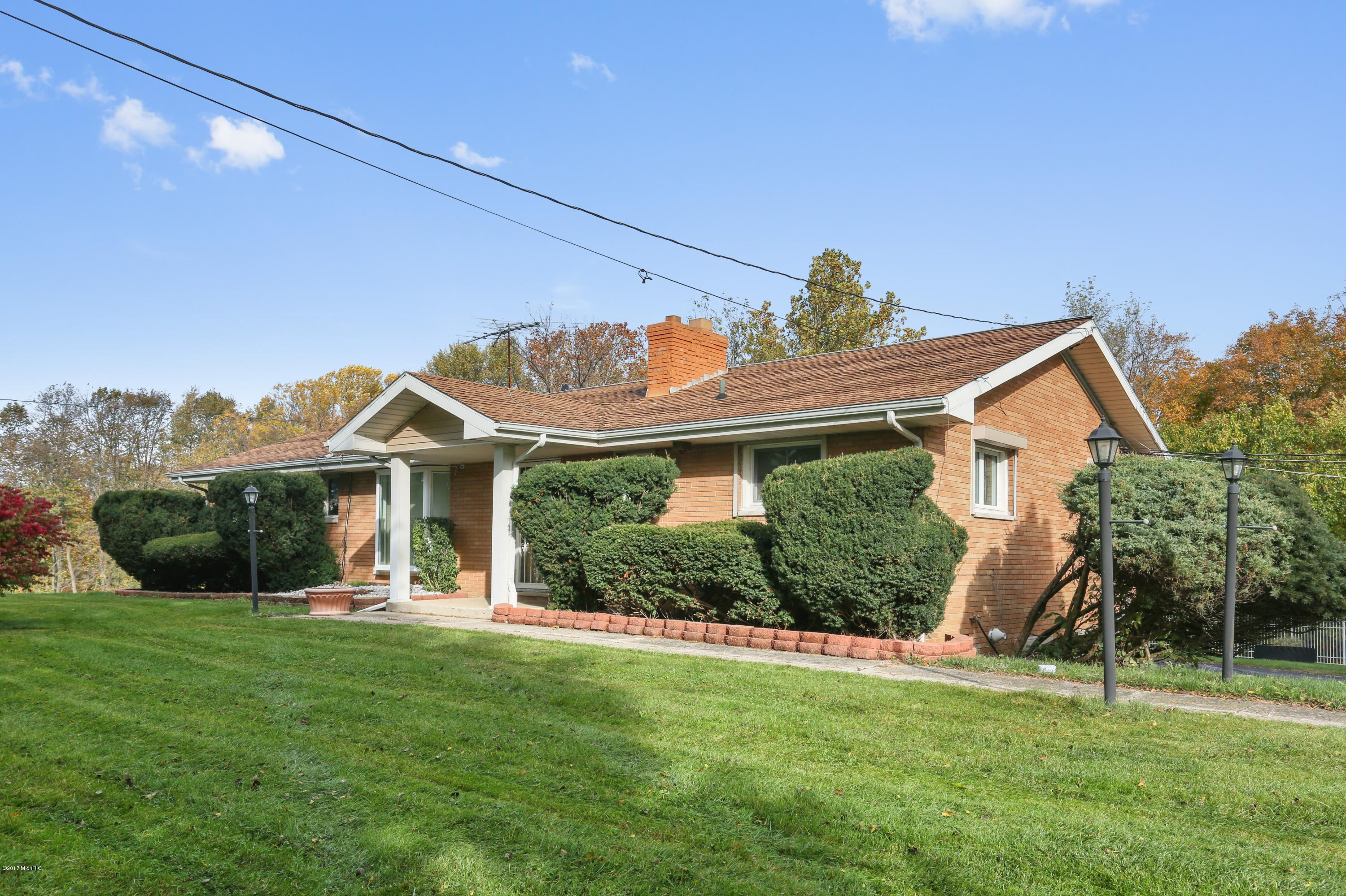 5563 W SPRING CREEK ROAD, THREE OAKS, MI 49128
