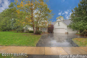 Property for sale at 1825 Flowers Crossing Drive, Grand Rapids,  MI 49525