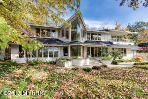 Property for sale at 675 Manhattan Road, East Grand Rapids,  MI 49506