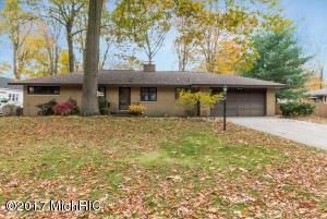 Property for sale at 631 Wendover Boulevard, Norton Shores,  MI 49441