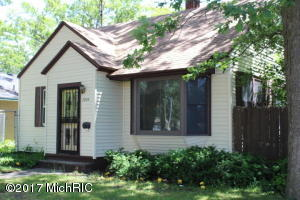 Property for sale at 3004 Temple Street, Muskegon Heights,  MI 49444