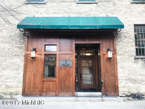 Property for sale at 9 S 3Rd Street Unit 301, Grand Haven,  MI 49417