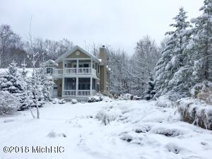 Property for sale at 33 Chestnut Lane, Douglas,  MI 49406