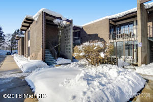 Property for sale at 816 S Beacon Boulevard Unit 63, Grand Haven,  MI 49417