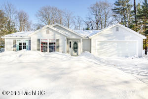 Property for sale at 19136 Pine Grove Court, Spring Lake,  MI 49456