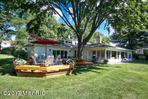 Property for sale at 1003 Lake Avenue, Muskegon,  MI 49445