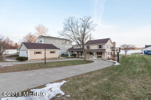 Property for sale at 8109 W Long Lake Drive, Kalamazoo,  MI 49048