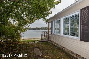 Property for sale at 418 Crooked Lake Drive, Kalamazoo,  MI 49009