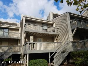 Property for sale at 69 North Shore Drive Unit 18, South Haven,  MI 49090