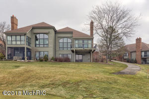Property for sale at 867 Cascade Hills East Dr Unit 8, Grand Rapids,  MI 49546