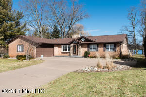Property for sale at 686 Country Club Drive, Battle Creek,  MI 49015