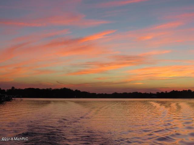 8588 Heron Watervliet, MI 49098 Photo 6