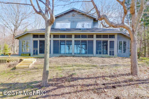 1202 Shore Crest South Haven, MI 49090