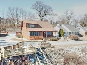 Property for sale at 1810 Lake Avenue, North Muskegon,  MI 49445