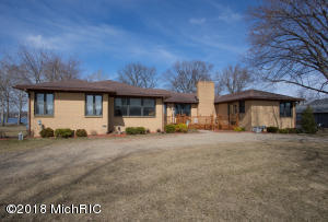 Property for sale at 8704 E Long Lake Drive, Scotts,  MI 49088