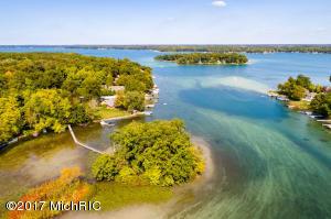 1309 W Gull Lake Dr Richland, MI 49083