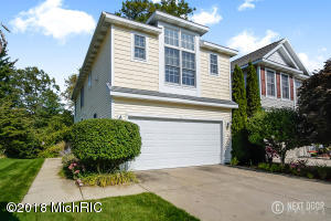 Property for sale at 913 Bluff Creek Drive, Grand Haven,  MI 49417