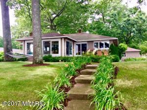 Property for sale at 15961 Lake Avenue, Grand Haven,  MI 49417