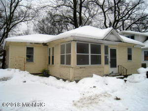 Property for sale at 2924 8th Street, Muskegon Heights,  MI 49444