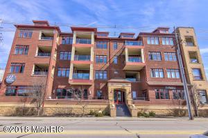 Property for sale at 22 S Harbor Drive Unit 405, Grand Haven,  MI 49417