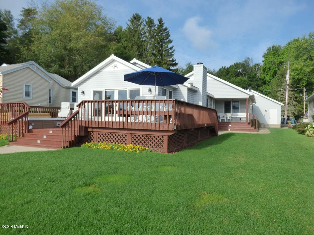 50443 W Lakeshore , Dowagiac, MI 49047 Photo 1
