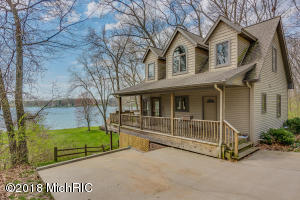 58400 E Clear Lake Three Rivers, MI 49093