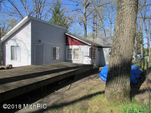 743 Bright Water Coldwater, MI 49036