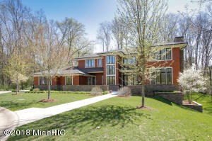 Property for sale at 2323 Shelter Pointe Drive, Kalamazoo,  MI 49008