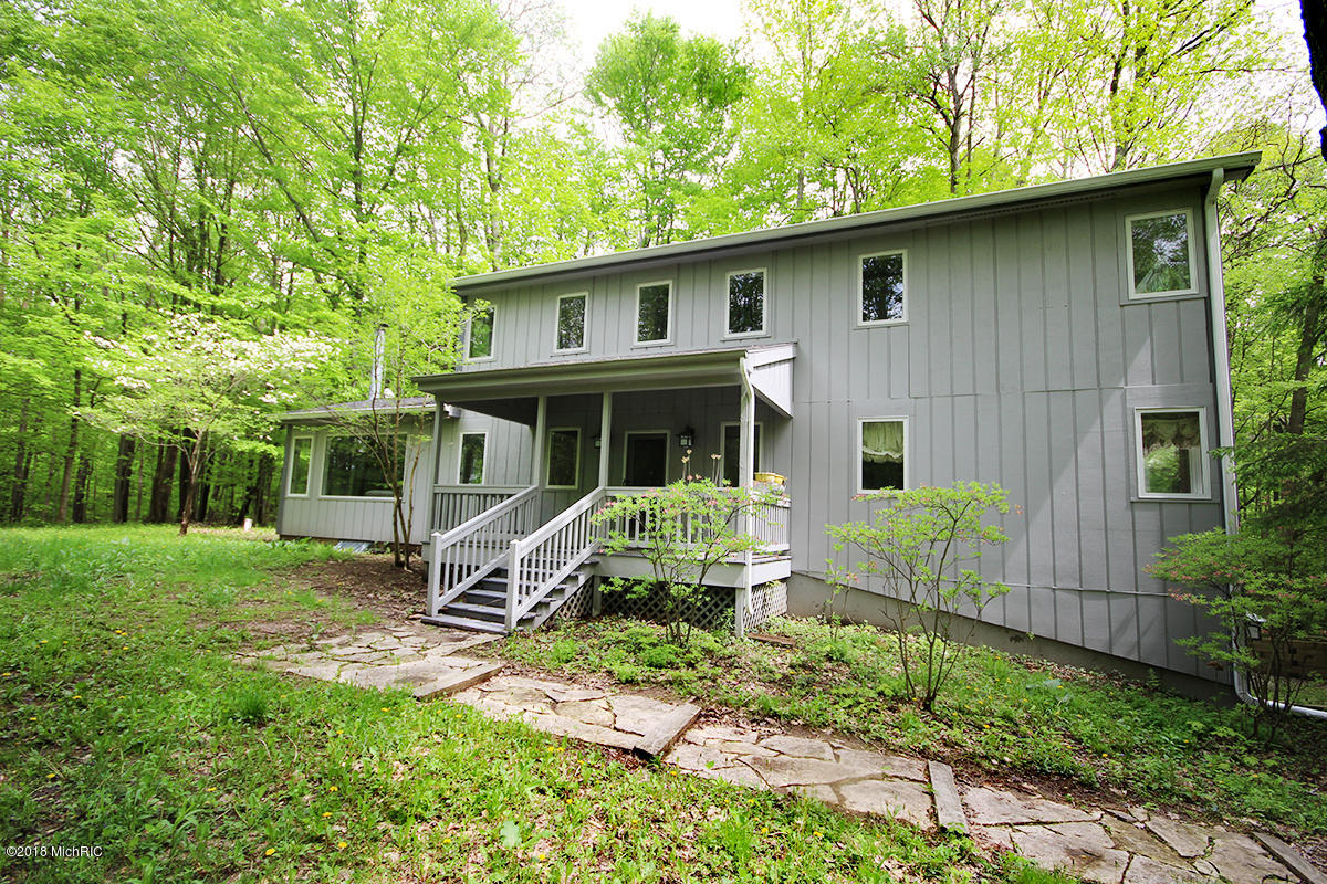 39 CAMP MADRON ROAD, BUCHANAN, MI 49107