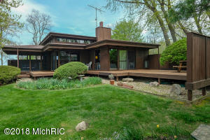 Property for sale at 464 Lakeshore Drive, South Haven,  MI 49090