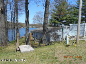 Property for sale at 7476 S Crooked Lake Drive, Delton,  MI 49046