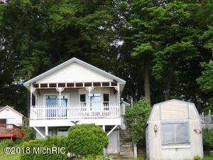 104 Sunset Cove Allegan, MI 49010