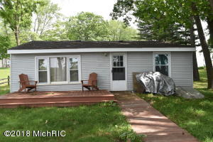 59170 Lakeshore Colon, MI 49040