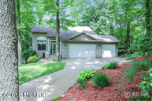 Property for sale at 14116 S Lake Doster Drive, Plainwell,  MI 49080