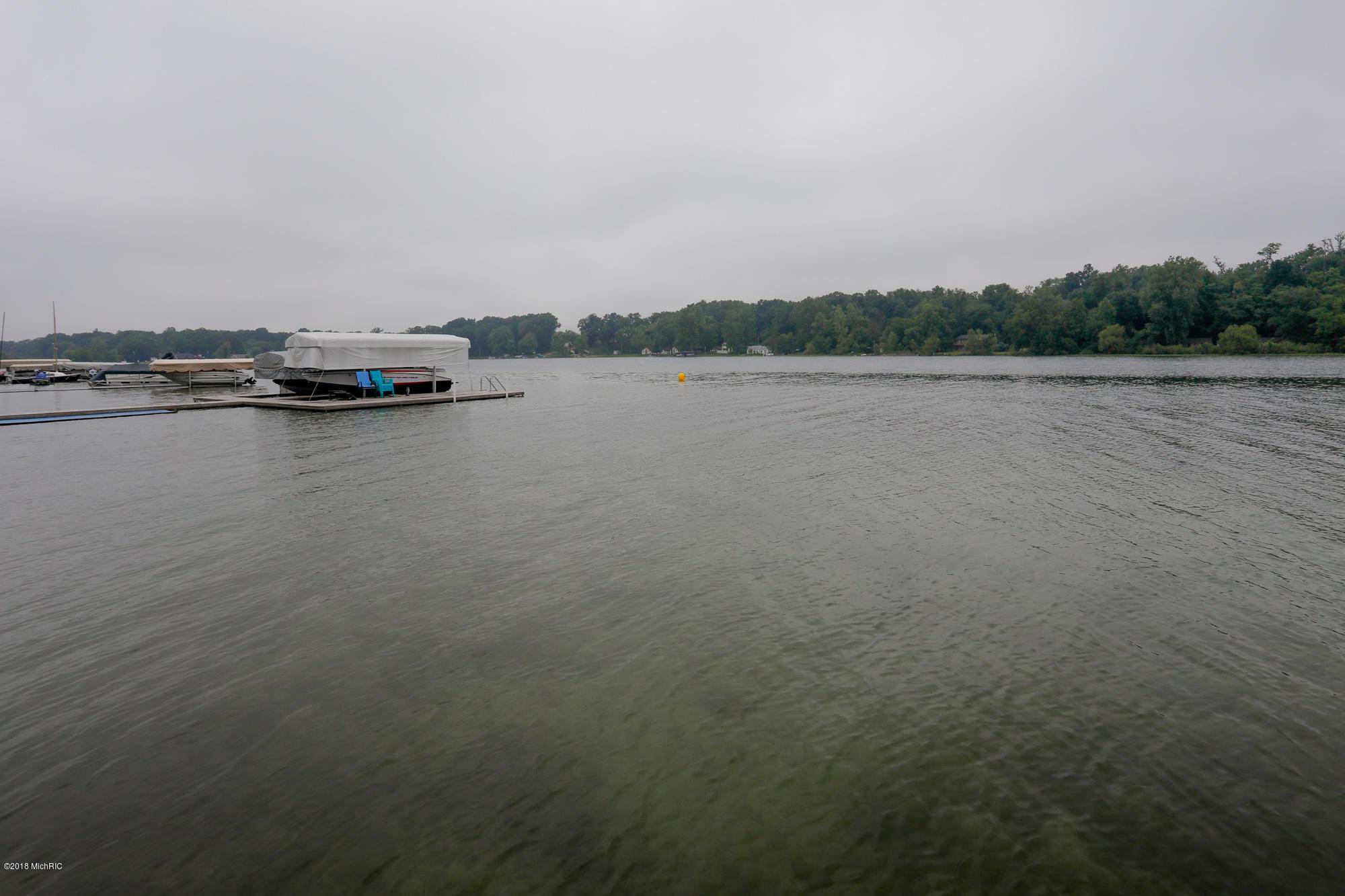 10360 Corey Bluff , Three Rivers, MI 49093 Photo 4