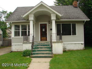 Property for sale at 15 Riverview Avenue, Battle Creek,  MI 49017
