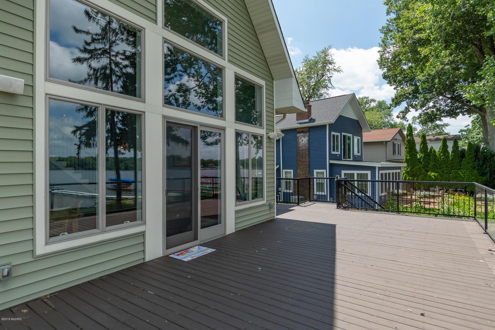 4821 S Long Lake , Portage, MI 49002 Photo 45