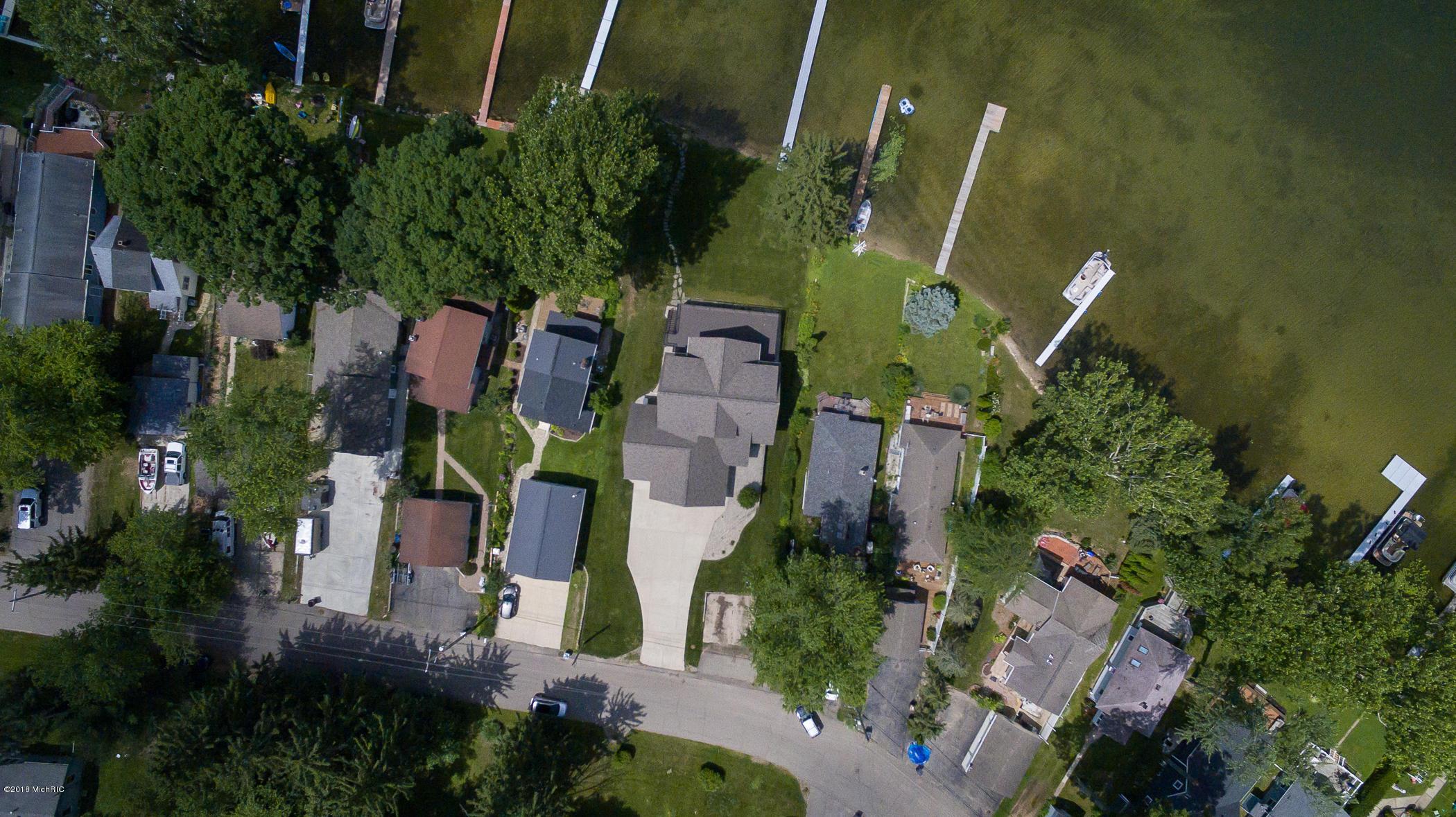4821 S Long Lake , Portage, MI 49002 Photo 55