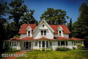 1138 Orchard Lake South Haven, MI 49090