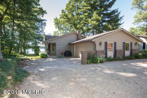 2937 Woodhams Portage, MI 49002