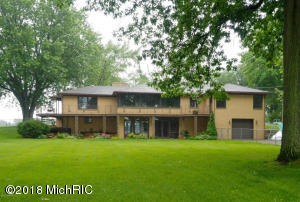 8704 E Long Lake Scotts, MI 49088