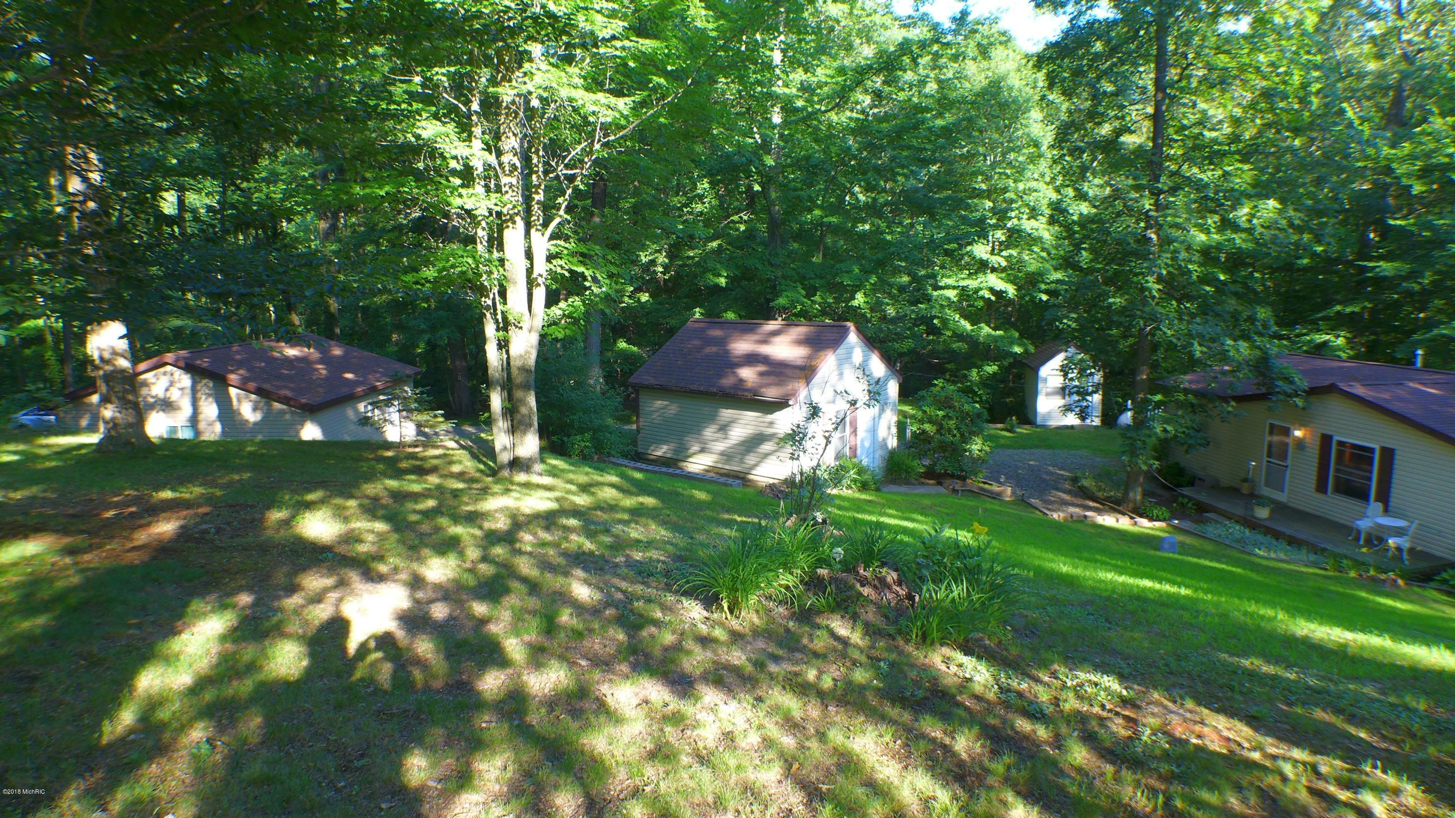 8500 Lammers , Delton, MI 49046 Photo 4