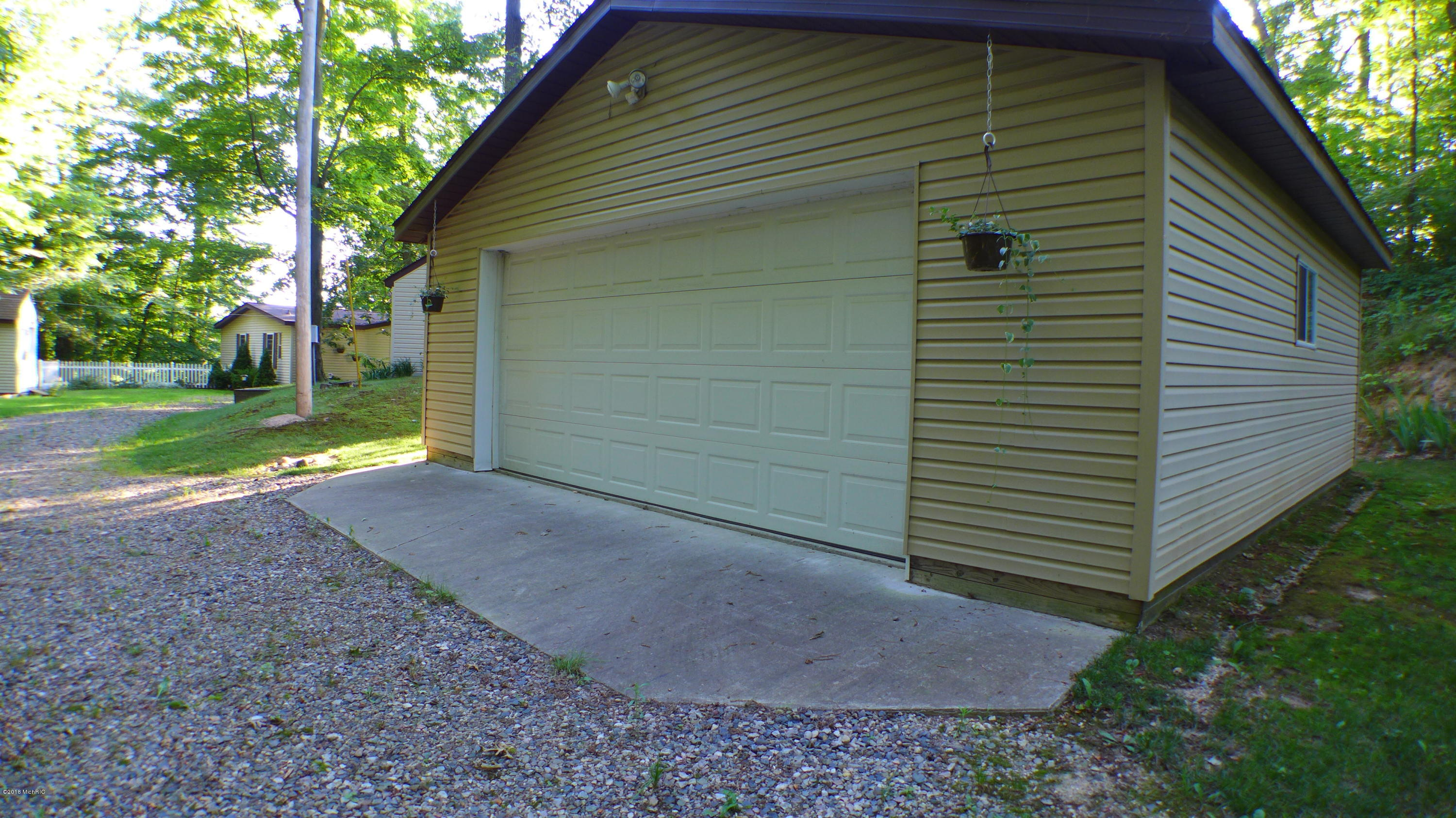 8500 Lammers , Delton, MI 49046 Photo 26