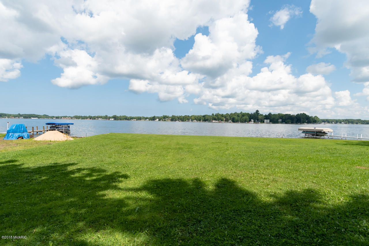 7955 Shore , Watervliet, MI 49098 Photo 25