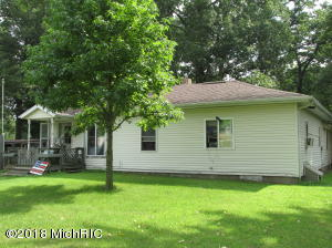 Property for sale at 527 10th Street, Plainwell,  MI 49080