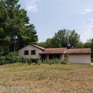 Property for sale at 266 17 Mile Road, Kent City,  MI 49330